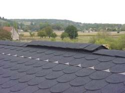 czytaj dalej artykuł: System wentylacyjny dachu z gontów – IKO Armourvent Multi